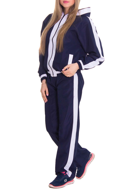 Спортивный костюмСпортивные костюмы<br>Женский спортивный костюм из непродуваемой ткани. Отличный выбор для занятий спортом или активного отдыха.  Рост девушки-фотомодели 164 см  Цвет: синий, белый<br><br>По длине: Макси<br>По рисунку: Цветные<br>По силуэту: Свободные<br>По стилю: Спортивный стиль<br>По форме: Брюки,Костюм двойка<br>По элементам: С капюшоном,С карманами<br>Застежка: С молнией<br>Рукав: Длинный рукав<br>По сезону: Осень,Весна<br>Размер : 46<br>Материал: Плащевая ткань<br>Количество в наличии: 2