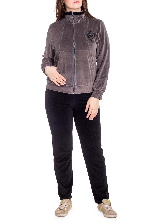 Спортивный костюмСпортивные костюмы<br>Удобный костюм из мягкого велюра. Отличный выбор для занятий спортом или активного отдыха.  В изделии использованы цвета: коричнево-серый, черный  Рост девушки-фотомодели 180 см.<br><br>Воротник: Стойка<br>Застежка: С молнией<br>По длине: Макси<br>По рисунку: Цветные<br>По силуэту: Полуприталенные<br>По стилю: Спортивный стиль<br>По форме: Брюки,Костюм двойка<br>По элементам: С карманами,С манжетами<br>Рукав: Длинный рукав<br>По сезону: Зима<br>Размер : 46,48,50<br>Материал: Велюр<br>Количество в наличии: 3