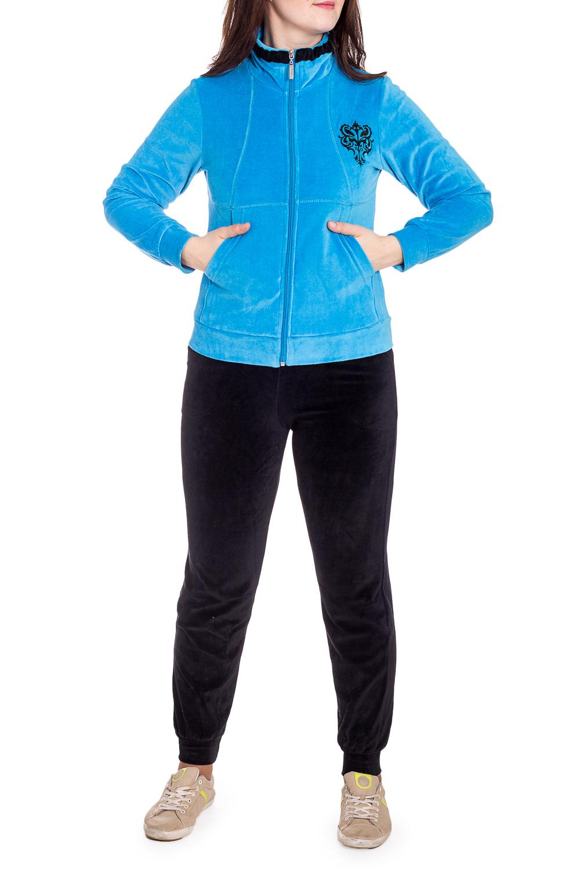 Спортивный костюмСпортивные костюмы<br>Удобный костюм из мягкого велюра. Отличный выбор для занятий спортом или активного отдыха.  В изделии использованы цвета: голубой, черный  Рост девушки-фотомодели 180 см.<br><br>Воротник: Стойка<br>Застежка: С молнией<br>По длине: Макси<br>По образу: Спорт<br>По рисунку: Цветные<br>По силуэту: Полуприталенные<br>По стилю: Спортивный стиль<br>По форме: Брюки,Костюм двойка<br>По элементам: С карманами,С манжетами<br>Рукав: Длинный рукав<br>По сезону: Зима<br>Размер : 46,48,52<br>Материал: Велюр<br>Количество в наличии: 3