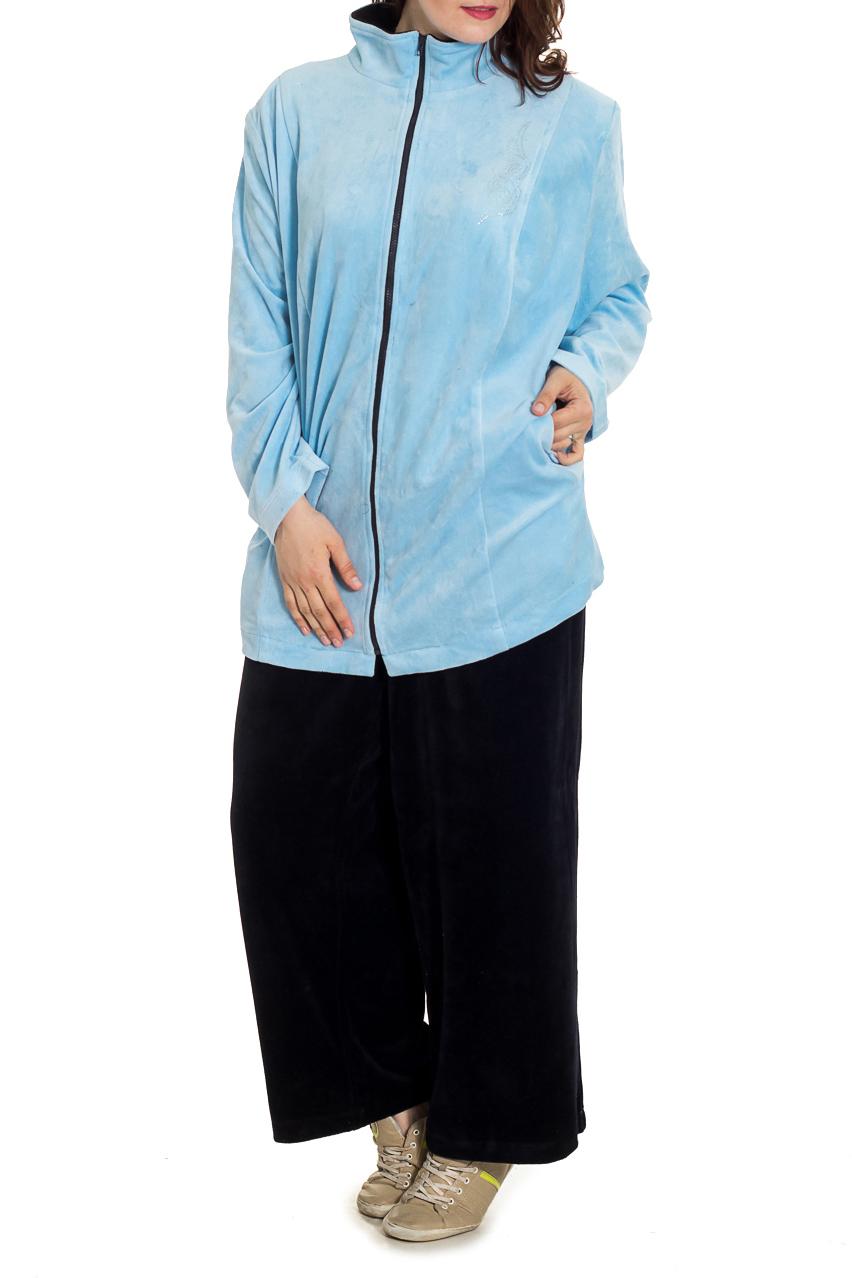 КостюмСпортивные костюмы<br>Красивый спортивный костюм из мягкого и эластичного велюра. Отличный выбор для занятий спортом и активного отдыха.  Цвет: голубой, черный  Рост девушки-фотомодели 180 см.<br><br>Воротник: Стойка<br>Застежка: С молнией<br>По длине: Макси<br>По материалу: Трикотаж,Хлопок<br>По образу: Город,Спорт<br>По рисунку: Цветные<br>По силуэту: Полуприталенные<br>По стилю: Повседневный стиль,Спортивный стиль<br>По форме: Брюки,Костюм двойка<br>По элементам: С карманами<br>Рукав: Длинный рукав<br>По сезону: Осень,Весна<br>Размер : 72,76<br>Материал: Велюр<br>Количество в наличии: 2