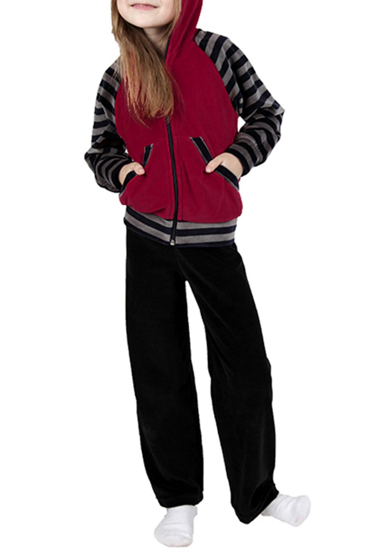 Спортивный костюмКостюмы<br>Удобный спортивный костюм для девочки. Модель выполнена из приятного материала. Отличный выбор для занятий спортом и активного отдыха.  Цвет: черный, бордовый, серый  Размер 74 соответствует росту 70-73 см Размер 80 соответствует росту 74-80 см Размер 86 соответствует росту 81-86 см Размер 92 соответствует росту 87-92 см Размер 98 соответствует росту 93-98 см Размер 104 соответствует росту 98-104 см Размер 110 соответствует росту 105-110 см Размер 116 соответствует росту 111-116 см Размер 122 соответствует росту 117-122 см Размер 128 соответствует росту 123-128 см Размер 134 соответствует росту 129-134 см Размер 140 соответствует росту 135-140 см Размер 146 соответствует росту 141-146 см Размер 152 соответствует росту 147-152 см Размер 158 соответствует росту 153-158 см Размер 164 соответствует росту 159-164 см<br><br>Горловина: Капюшон<br>По возрасту: Дошкольные ( от 3 до 7 лет),Ясельные ( от 1 до 3 лет)<br>По длине: Удлиненные<br>По материалу: Хлопковые<br>По образу: Повседневные,Уличные<br>По рисунку: Цветные<br>По силуэту: Полуприталенные<br>По элементам: С карманами,С молнией<br>Рукав: Длинный рукав<br>По сезону: Осень,Весна<br>Размер : 116,122,98<br>Материал: Велюр<br>Количество в наличии: 4