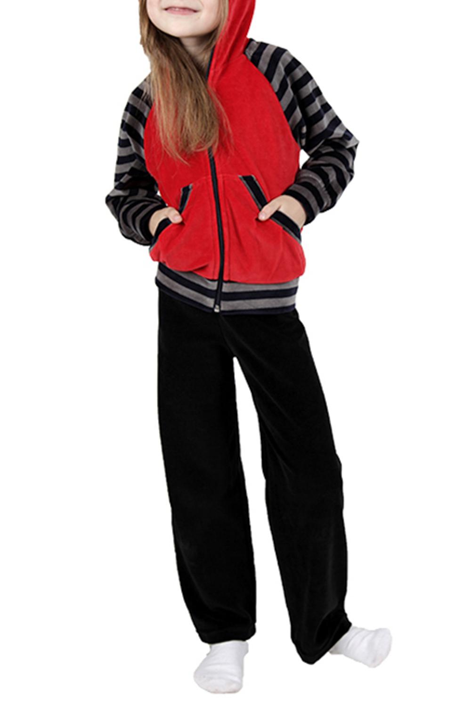Спортивный костюмКостюмы<br>Удобный спортивный костюм для девочки. Модель выполнена из приятного материала. Отличный выбор для занятий спортом и активного отдыха.  Цвет: черный, красный, серый  Размер 74 соответствует росту 70-73 см Размер 80 соответствует росту 74-80 см Размер 86 соответствует росту 81-86 см Размер 92 соответствует росту 87-92 см Размер 98 соответствует росту 93-98 см Размер 104 соответствует росту 98-104 см Размер 110 соответствует росту 105-110 см Размер 116 соответствует росту 111-116 см Размер 122 соответствует росту 117-122 см Размер 128 соответствует росту 123-128 см Размер 134 соответствует росту 129-134 см Размер 140 соответствует росту 135-140 см Размер 146 соответствует росту 141-146 см Размер 152 соответствует росту 147-152 см Размер 158 соответствует росту 153-158 см Размер 164 соответствует росту 159-164 см<br><br>По возрасту: Дошкольные ( от 3 до 7 лет),Ясельные ( от 1 до 3 лет)<br>По длине: Удлиненные<br>По материалу: Хлопковые<br>По образу: Повседневные,Уличные<br>По рисунку: Цветные<br>По силуэту: Полуприталенные<br>По элементам: С карманами,С молнией,С капюшоном<br>Рукав: Длинный рукав<br>По сезону: Осень,Весна<br>Размер : 116,98<br>Материал: Велюр<br>Количество в наличии: 2