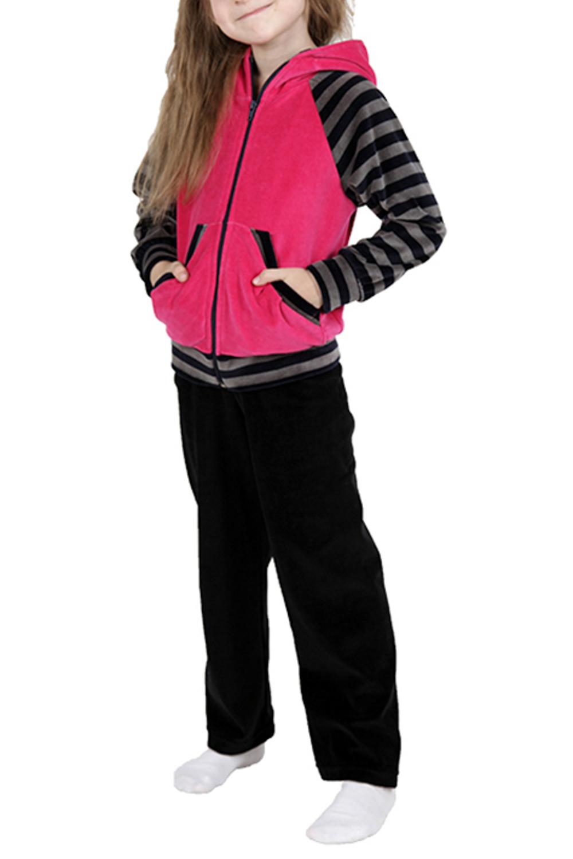 Спортивный костюмКостюмы<br>Удобный спортивный костюм для девочки. Модель выполнена из приятного материала. Отличный выбор для занятий спортом и активного отдыха.  Цвет: черный, розовый, серый  Размер 74 соответствует росту 70-73 см Размер 80 соответствует росту 74-80 см Размер 86 соответствует росту 81-86 см Размер 92 соответствует росту 87-92 см Размер 98 соответствует росту 93-98 см Размер 104 соответствует росту 98-104 см Размер 110 соответствует росту 105-110 см Размер 116 соответствует росту 111-116 см Размер 122 соответствует росту 117-122 см Размер 128 соответствует росту 123-128 см Размер 134 соответствует росту 129-134 см Размер 140 соответствует росту 135-140 см Размер 146 соответствует росту 141-146 см Размер 152 соответствует росту 147-152 см Размер 158 соответствует росту 153-158 см Размер 164 соответствует росту 159-164 см<br><br>По возрасту: Дошкольные ( от 3 до 7 лет)<br>По длине: Удлиненные<br>По материалу: Хлопковые<br>По образу: Повседневные,Уличные<br>По рисунку: Цветные<br>По силуэту: Полуприталенные<br>По элементам: С карманами,С молнией,С капюшоном<br>Рукав: Длинный рукав<br>По сезону: Осень,Весна<br>Размер : 116<br>Материал: Велюр<br>Количество в наличии: 1