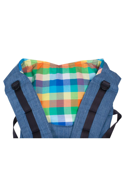 Слинг-рюкзакСлинги, кенгуру и эрго-рюкзаки<br>Для активных пап и мам предлагаем простой и удобный в использовании Слинго-рюкзак. Идеален для переноски детей в возрасте от 4-х месяцев до 3-4 лет.  Оптимальное сочетание преимуществ слинга и рюкзачка теперь Вы можете получить в джинсовом варианте Джинсовую цветовую гамму оживляет яркая вставка-карман.  Наиболее яркая особенность рюкзачка - регулируемая ширина сидения. Достаточно его немного раздвинуть и можно носить подросших детишек. Мягкое, удобное сидение подхватывает ребенка под коленки, обеспечивая физиологичную посадку с широко разведенными ножками. Вес малыша при этом распределяется равномерно, снижая до минимума нагрузку на нижние отделы позвоночника и тазобедренные суставы.  Кроме того, в ней Вы можете носить своего кроху как в рюкзаке за спиной.  Пояс анатомической формы защищает спину родителей от нагрузки за счет перераспределения веса с плеч на бедра.  Конструктивная особенность слинго-рюкзака - возможность носить ребенка лицом от себя. Благодаря этому расширяются возможности удовлетворить любознательность ребёнка и избежать одностороннего развития мышц при повороте шеи малыша.  Новая «изюминка» Для нашего слинго-рюкзака не нужна дополнительная сумка - его можно быстро превратить в компактную «сидушку» на бедре у мамы, убрав рюкзачок во вместительный карман на поясе. Сложенный на поясе слинго-рюкзак служит дополнительным удобным сидением для ребёнка на руках при необходимости преодолеть небольшое расстояние, например, до машины.  Кроме того, к Вашим услугам по-прежнему кармашек с резинкой для полезных мелочей на спинке рюкзачка.  Ткань – джинсовая, 100% хлопок. Подкладка из умягченной хлопковой ткани. Основные особенности: • простота и комфорт • плотный, но очень мягкий • пояс анатомической формы • возможность носить ребенка лицом от себя • полезные кармашки • возможность превратить в сумку («сидушку») на поясе • идеален от 4-х месяцев до 3-4 лет (20кг)  ВНИМАНИЕ До первой стирки изделие красится. После ст