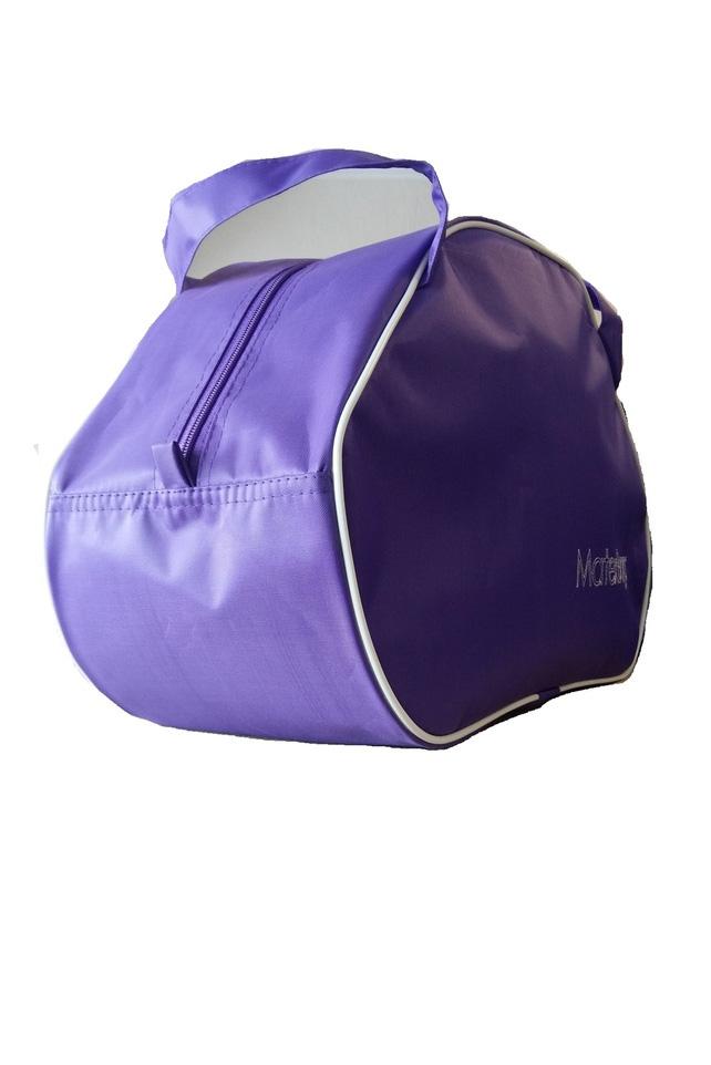 Дорожная сумкаДорожные<br>Удобная и вместительная дорожная сумка.  Размер: 50*28*23 см.  Цвет: фиолетовый<br><br>По материалу: Тканевые<br>По размеру: Средние<br>По рисунку: Однотонные<br>По степени жесткости: Мягкие<br>Ручки: Короткие<br>По сезону: Всесезон<br>По форме: Трапециевидные<br>Размер : UNI<br>Материал: Полиэстер<br>Количество в наличии: 2