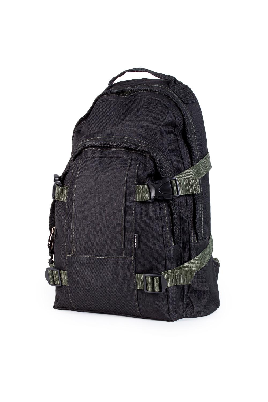 РюкзакРюкзаки<br>Удобный и вместительный мужской рюкзак.  В изделии использованы цвета: черный, зеленый  Габариты, см: 43х27х11<br><br>Размер : UNI<br>Материал: Полиэстер<br>Количество в наличии: 1