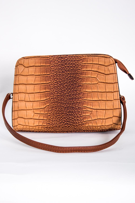 Классическая сумкаКлассические<br>Маленькая женская сумка.  Размеры: 24*16*5 см  Цвет: бежевый, коричневый<br><br>По материалу: Искусственная кожа<br>По размеру: Маленькие<br>По рисунку: Рептилия,Цветные,Фактурный рисунок<br>По способу ношения: В руках,На плечо<br>По степени жесткости: Полужесткие<br>По типу застежки: С застежкой молнией<br>Ручки: Длинные<br>По форме: Прямоугольные<br>Размер : UNI<br>Материал: Искусственная кожа<br>Количество в наличии: 1