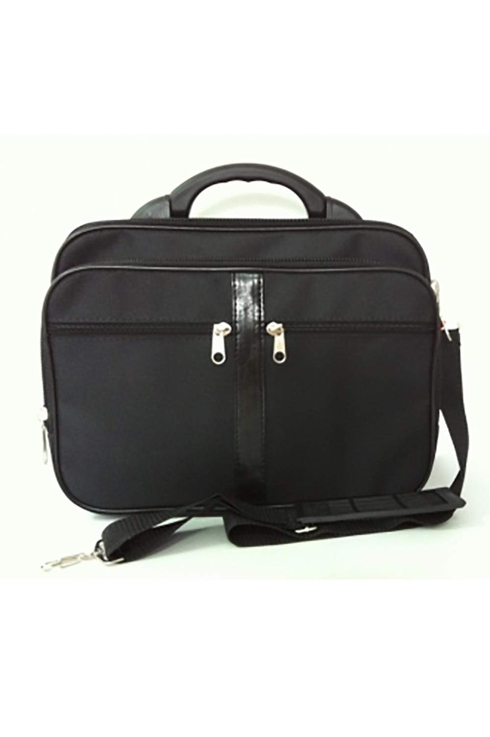 КейсДеловые<br>Удобная и вместительная мужская сумка. Пластмассовый каркас.  Размеры: 36*12*29 см  Цвет: черный<br><br>Размер : UNI<br>Материал: Полиэстер<br>Количество в наличии: 1