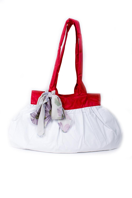 СумкаСумки-шоппинг<br>Удобная и вместительная женская сумка.  Размеры: 29*45 см.  Цвет: белый, красный<br><br>По материалу: Тканевые<br>По размеру: Средние<br>По рисунку: Однотонные<br>По силуэту стенок: Прямоугольные<br>По способу ношения: В руках,На плечо<br>По степени жесткости: Мягкие<br>Ручки: Длинные<br>По сезону: Всесезон<br>Размер : UNI<br>Материал: Полиэстер<br>Количество в наличии: 1
