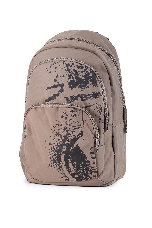 РюкзакПодростковые сумки<br>Молодежный рюкзак с принтом. Модель с застежкой на молнию и плечевыми ручками.  В изделии использованы цвета: бежевый, черный  Габариты, см: 46х29х12<br><br>По сезону: Всесезон<br>Размер : UNI<br>Материал: Полиэстер<br>Количество в наличии: 2