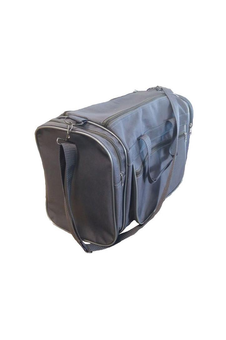 Дорожная сумкаДорожные<br>Удобная и вместительная дорожная сумка.  Размер: 44*20*27 см.  В изделии использованы цвета: серый<br><br>По сезону: Всесезон<br>Размер : UNI<br>Материал: Полиэстер<br>Количество в наличии: 1