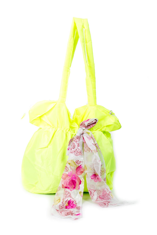 СумкаСумки-шоппинг<br>Удобная и вместительная женская сумка.  Размеры: 30*37*12 см.  Цвет: лимонный<br><br>По материалу: Тканевые<br>По размеру: Средние<br>По рисунку: Однотонные<br>По способу ношения: В руках,На плечо<br>По степени жесткости: Мягкие<br>Ручки: Длинные<br>По сезону: Всесезон<br>По форме: Прямоугольные<br>Размер : UNI<br>Материал: Полиэстер<br>Количество в наличии: 7