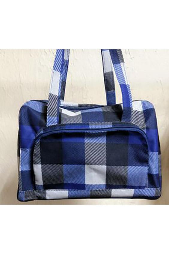 Дорожная сумкаДорожные<br>Удобная и вместительная дорожная сумка.  Размер: 32*25*17 см.  В изделии использованы цвета: синий, серый и др.<br><br>По материалу: Тканевые<br>По размеру: Средние<br>По рисунку: В клетку,С принтом,Цветные<br>По способу ношения: В руках<br>По степени жесткости: Мягкие<br>По форме: Прямоугольные<br>Ручки: Короткие<br>По сезону: Всесезон<br>Размер : UNI<br>Материал: Полиэстер<br>Количество в наличии: 1