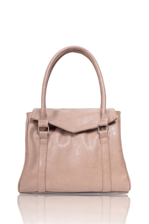 СумкаКлассические<br>Женские сумки бренда DINESSI - это стильные аксессуары, которые по достоинству оценят представительницы прекрасного пола.  Классическая женская сумка с клапаном. Модель имеет 3 ручки и задний карман на молнии.   Цвет: бежевый.  Размеры: Высота - 25 ± 1 см Длина по дну - 32 ± 1 см Глубина - 16 ± 1 см<br><br>По материалу: Искусственная кожа<br>По размеру: Средние<br>По рисунку: Однотонные<br>По способу ношения: В руках,На запастье,На плечо<br>По степени жесткости: Мягкие<br>По типу застежки: С застежкой молнией,С клапаном<br>По элементам: Карман на молнии,Карман под телефон<br>Ручки: Короткие<br>По форме: Квадратные<br>Размер : UNI<br>Материал: Искусственная кожа<br>Количество в наличии: 1