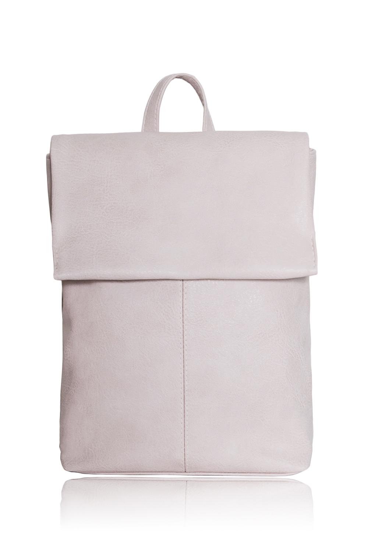 РюкзакРюкзаки<br>Женские сумки бренда DINESSI - это стильные аксессуары, которые по достоинству оценят представительницы прекрасного пола.  Рюкзак со средним швом на передней части и откидным клапаном, фиксирующимся магнитом. Застежка на молнию. Внутри карман под телефон и карман с молнией.  Цвет: светло-бежевый.  Размеры: 32*30*10 ± 1 см<br><br>По материалу: Искусственная кожа<br>По размеру: Средние<br>По рисунку: Однотонные<br>По способу ношения: На плечо<br>По степени жесткости: Мягкие<br>По стилю: Летний стиль,Молодежный стиль,Повседневный стиль<br>По типу застежки: На магните,С клапаном<br>По форме: Прямоугольные<br>По элементам: Карман на молнии,Карман под телефон<br>Ручки: Плечевые,Тонкие<br>Размер : UNI<br>Материал: Искусственная кожа<br>Количество в наличии: 1
