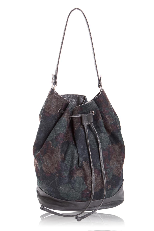 СумкаСумки-шоппинг<br>Женские сумки бренда DINESSI - это стильные аксессуары, которые по достоинству оценят представительницы прекрасного пола.  Сумка-мешок с донышком и притачной планкой по низу. Верх сумки стягивается шнурком, продетым в люверсы. Сзади карман на молнии. Внутри карман на молнии и 2 накладных кармана.   Цвет: серый, синий и др.  Размеры: Высота - 35 ± 1 см Длина по дну - 27 ± 1 см Глубина - 13 ± 1 см<br><br>По рисунку: Цветные,Цветочные<br>По способу ношения: На плечо<br>По степени жесткости: Мягкие<br>По типу застежки: С застежкой молнией<br>По элементам: Карман на молнии<br>Ручки: Длинные<br>По материалу: Тканевые<br>По форме: Прямоугольные<br>Размер : UNI<br>Материал: Искусственная кожа + Пальтовая ткань<br>Количество в наличии: 1