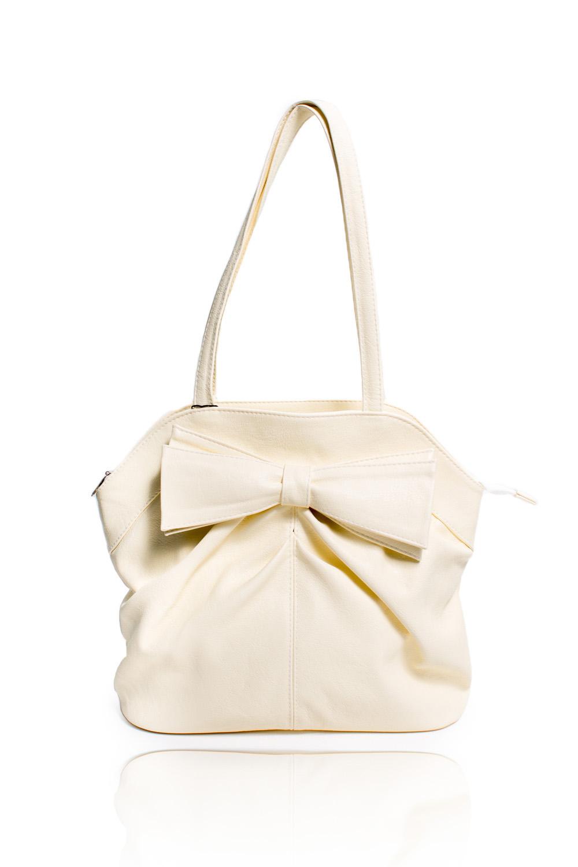 СумкаКлассические<br>Женские сумки бренда DINESSI - это стильные аксессуары, которые по достоинству оценят представительницы прекрасного пола.  Сумка классическая на молнии. На передней части сумки средний шов, складки и декоративный бант. На задней части сумки карман на молнии. Внутри два накладных кармана и карман на молнии.  Цвет: светло-желтый.  Длина - 38 ± 1 см Высота - 29,5 ± 1 см Глубина - 11,5 ± 1 см<br><br>По материалу: Искусственная кожа<br>По размеру: Средние<br>По рисунку: Однотонные<br>По способу ношения: В руках,На запастье,На плечо<br>По степени жесткости: Мягкие<br>По типу застежки: С застежкой молнией<br>По элементам: Карман на молнии,Карман под телефон<br>Ручки: Короткие<br>Размер : UNI<br>Материал: Искусственная кожа<br>Количество в наличии: 1