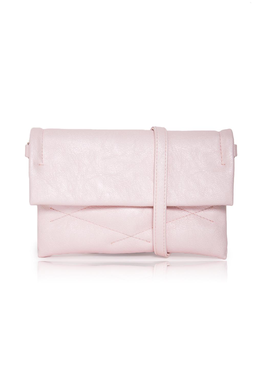 КлатчКлатчи<br>Женские сумки бренда DINESSI - это стильные аксессуары, которые по достоинству оценят представительницы прекрасного пола.  Клатч с клапаном, застежкой на магнит и длинной регулируемой лямкой. Внутри три отделения, одно из них на молнии и карман на молнии.  Цвет: розовый.  Длина - 24 ± 1 см Высота - 16 ± 1 см Глубина - 2 ± 1 см<br><br>Отделения: 3 отделения<br>По материалу: Искусственная кожа<br>По размеру: Маленькие<br>По рисунку: Однотонные<br>По способу ношения: В руках,На плечо,Через плечо<br>По степени жесткости: Мягкие<br>По стилю: Повседневный стиль<br>По типу застежки: На магните,С застежкой молнией<br>По элементам: Карман на молнии,Карман под телефон,Отделка строчкой,С ремнями<br>Ручки: Длинные,Регулируемые<br>Размер : UNI<br>Материал: Искусственная кожа<br>Количество в наличии: 1