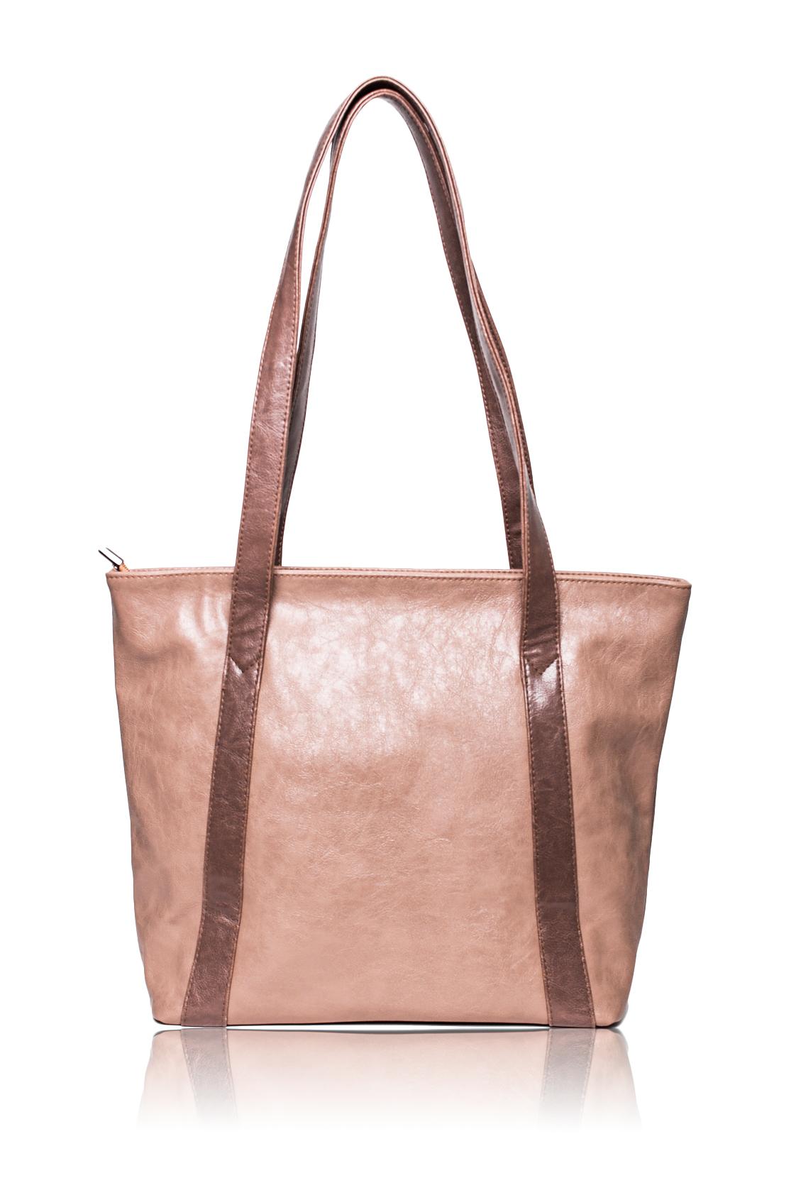 Сумка - шоппингСумки-шоппинг<br>Женские сумки бренда Lacy - это стильные аксессуары, которые по достоинству оценят представительницы прекрасного пола.  Сумка-шоппинг с застежкой на молнию. Внутри два накладных кармана и карман на молнии.   Цвет: бежевый, коричневый.  Размеры: Высота - 31 ± 1 см Длина по дну - 31 ± 1 см Длина по верху - 40 ± 1 см Глубина - 11,5 ± 1 см<br><br>По образу: Город<br>По материалу: Искусственная кожа<br>По размеру: Средние<br>По рисунку: Однотонные<br>По элементам: Карман на молнии,Карман под телефон<br>По силуэту стенок: Трапециевидные<br>По способу ношения: На плечо<br>По степени жесткости: Мягкие<br>По типу застежки: С застежкой молнией<br>Ручки: Длинные<br>Размер: 1<br>Материал: Искусственная кожа<br>Количество в наличии: 1