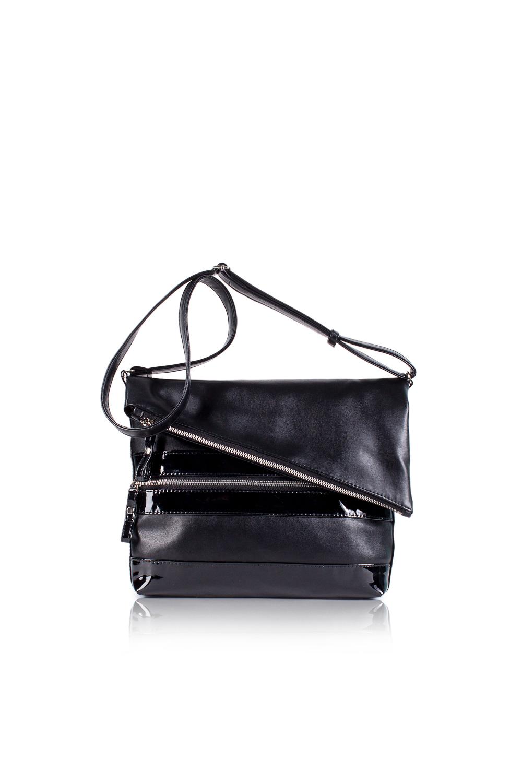СумкаКлассические<br>Женские сумки бренда DINESSI - это стильные аксессуары, которые по достоинству оценят представительницы прекрасного пола.  Сумка с перекидным клапаном. На передней и задней частях сумки карманы на молнии. Длинная лямка с регулятором. Внутри два накладных кармана и карман на молнии.   Цвет: черный.  Размеры: Длина - 32 ± 1 см Высота - 26 ± 1 см Глубина - 6 ± 1 см<br><br>Отделения: 1 отделение<br>По материалу: Искусственная кожа,Лакированная кожа<br>По размеру: Средние<br>По рисунку: Однотонные<br>По способу ношения: В руках,На плечо,Через плечо<br>По степени жесткости: Мягкие<br>По типу застежки: С двухсторонней молнией<br>По форме: Прямоугольные<br>По элементам: Карман на молнии,Карман под телефон<br>Ручки: Длинные<br>Размер : UNI<br>Материал: Искусственная кожа<br>Количество в наличии: 1