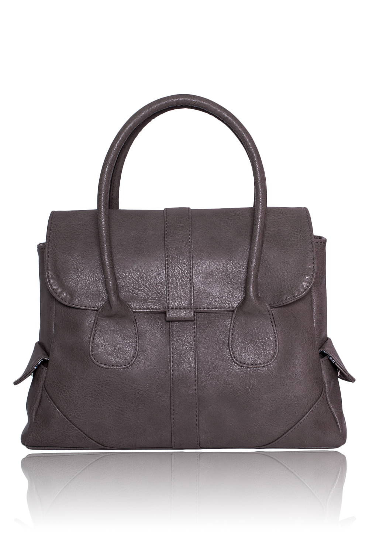 СумкаКлассические<br>Женские сумки бренда DINESSI - это стильные аксессуары, которые по достоинству оценят представительницы прекрасного пола.  Сумка с застежкой на молнию и клапаном. На задней части сумки карман на молнии. По бокам два маленьких кармана с клапанами. Две короткие ручки. Внутри два накладных кармана и карман на молнии.  Цвет: серо-бежевый.  Размеры: Высота - 36 ± 1 см Ширина - 10 ± 1 см Длина - 29 ± 1 см<br><br>По материалу: Искусственная кожа<br>По размеру: Крупные<br>По рисунку: Однотонные<br>По способу ношения: В руках,На запастье<br>По степени жесткости: Мягкие<br>По типу застежки: С застежкой молнией<br>По элементам: Карман на молнии,Карман под телефон<br>Ручки: Короткие<br>По форме: Трапециевидные<br>Размер : UNI<br>Материал: Искусственная кожа<br>Количество в наличии: 1