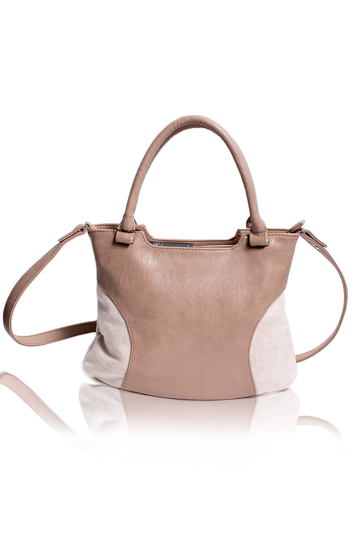 СумкаКлассические<br>Женские сумки бренда DINESSI - это стильные аксессуары, которые по достоинству оценят представительницы прекрасного пола.  Классическая сумка с застежкой на молнию, двумя короткими ручками и длинной лямкой. На задней части сумки карман на молнии. Внутри два накладных кармана и карман на молнии.   Цвет: бежевый.  Размеры 35,5*25,5*12 ± 1 см Длина ручки - 43 ± 1 см Длина длинного ремня - 108 ± 1 см<br><br>По материалу: Искусственная кожа<br>По размеру: Средние<br>По рисунку: Однотонные<br>По способу ношения: В руках,На запастье,На плечо,Через плечо<br>По степени жесткости: Мягкие<br>По типу застежки: С застежкой молнией<br>По элементам: Карман на молнии,Карман под телефон,С ремнями<br>Ручки: Длинные,Короткие,Регулируемые<br>Размер : UNI<br>Материал: Искусственная кожа + Искусственная замша<br>Количество в наличии: 1