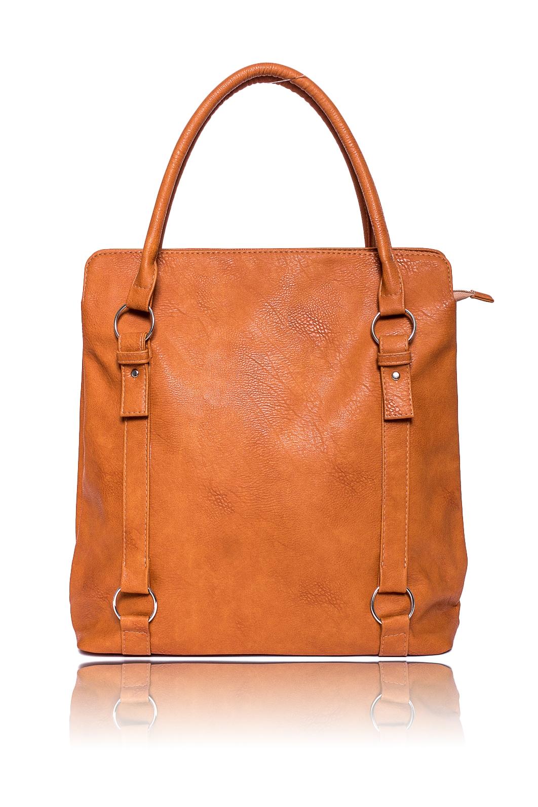 СумкаСумки-шоппинг<br>Женские сумки бренда DINESSI - это стильные аксессуары, которые по достоинству оценят представительницы прекрасного пола.  Сумка - шоппинг с застежкой на молнию, двумя короткими ручками и длинной, отстегивающейся, регулируемой лямкой. На задней части сумки карман на молнии. Внутри два отделения, два накладных кармана и карман на молнии.  Цвет: рыжий.  Размеры: Высота - 39 ± 1 см Длина - 36 ± 1 см Ширина - 11,5 ± 1 см Длина ручек - 56,5 ± 1 см<br><br>Отделения: 2 отделения<br>По материалу: Искусственная кожа<br>По размеру: Крупные<br>По рисунку: Однотонные<br>По силуэту стенок: Прямоугольные<br>По способу ношения: В руках,На плечо<br>По степени жесткости: Мягкие<br>По типу застежки: С застежкой молнией<br>По элементам: Карман на молнии,Карман под телефон,С ремнями<br>Ручки: Длинные,Короткие<br>Размер : UNI<br>Материал: Искусственная кожа<br>Количество в наличии: 1