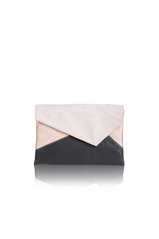 КлатчКлатчи<br>Женские сумки бренда DINESSI - это стильные аксессуары, которые по достоинству оценят представительницы прекрасного пола.  Клатч с клапаном и застежкой на магнит. Внутри два накладных кармана и карман на молнии.  Подклад может отличаться от представленного на фото.  В изделии использованы цвета: черный, бежевый, золотистый.  Размеры: 30,5 * 20,5 * 1,5 ± 1 см<br><br>Отделения: 1 отделение<br>По материалу: Замша,Искусственная кожа<br>По образу: Город,Клуб,Торжество<br>По размеру: Средние<br>По рисунку: Цветные<br>По силуэту стенок: Прямоугольные<br>По способу ношения: В руках<br>По степени жесткости: Мягкие<br>По типу застежки: На магните<br>По форме: Конверт<br>По элементам: Карман на молнии,Карман под телефон<br>Размер : UNI<br>Материал: Искусственная кожа + Искусственная замша<br>Количество в наличии: 1