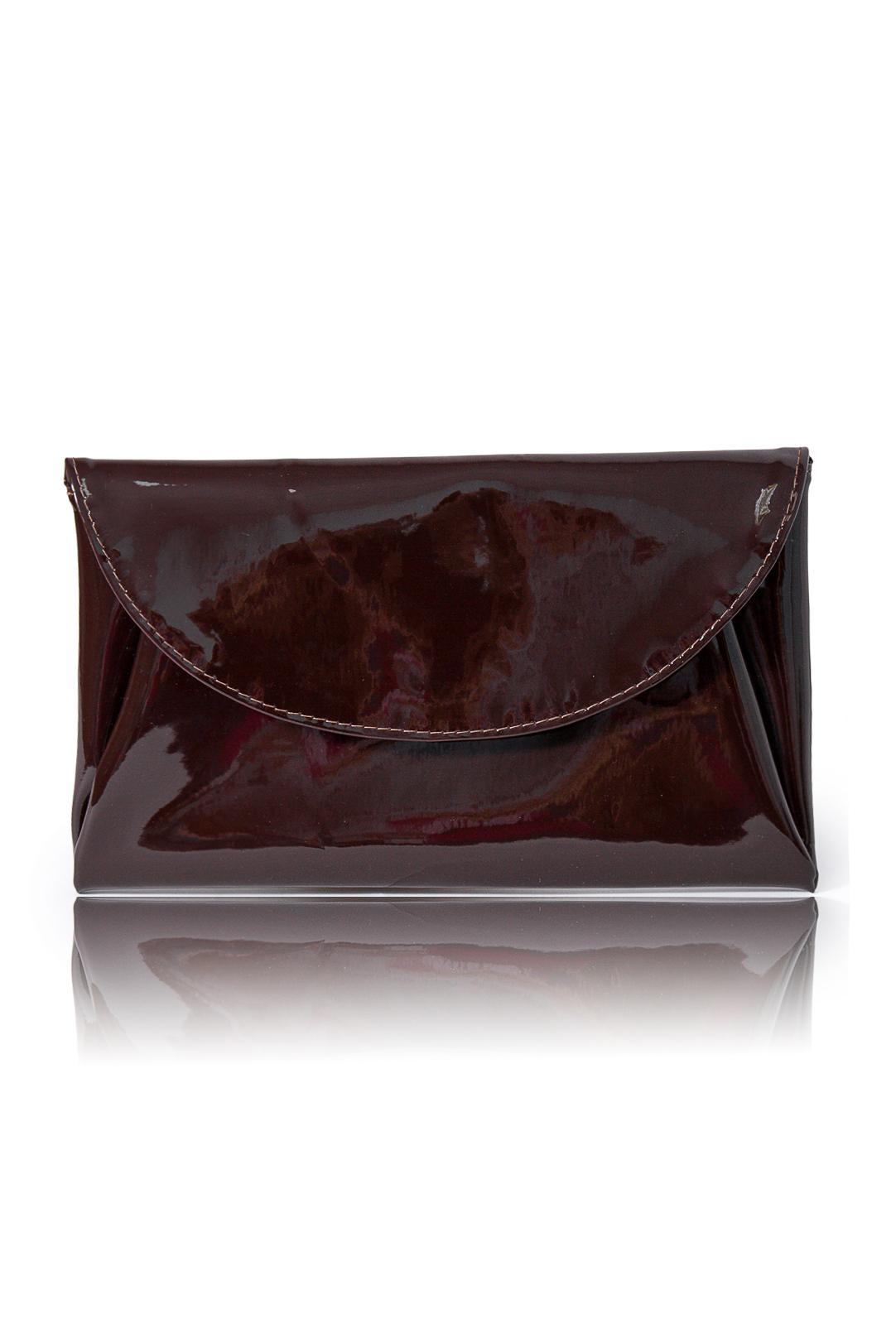 КлатчКлатчи<br>Женские сумки бренда DINESSI - это стильные аксессуары, которые по достоинству оценят представительницы прекрасного пола.  Клатч с клапаном и застежкой на магнит. Внутри карман на молнии.   Цвет: коричневый.  Размеры: 28 * 17 * 1,5 ± 1 см<br><br>Отделения: 1 отделение<br>По материалу: Искусственная кожа,Лакированная кожа<br>По размеру: Средние<br>По рисунку: Однотонные<br>По силуэту стенок: Прямоугольные<br>По способу ношения: В руках<br>По степени жесткости: Мягкие<br>По типу застежки: На магните<br>По форме: Конверт<br>По элементам: Карман на молнии,Карман под телефон<br>По стилю: Повседневный стиль,Нарядный стиль<br>Размер : UNI<br>Материал: Искусственная кожа<br>Количество в наличии: 1