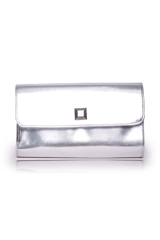 КлатчКлатчи<br>Женские сумки бренда DINESSI - это стильные аксессуары, которые по достоинству оценят представительницы прекрасного пола.  Клатч с клапаном и застежкой на магнит. Внутри карман на молнии.   Цвет: серебряный.  Размеры: 26 * 15,5 * 5 ± 1 см<br><br>Отделения: 1 отделение<br>По материалу: Искусственная кожа<br>По размеру: Средние<br>По рисунку: Однотонные<br>По способу ношения: В руках<br>По степени жесткости: Полужесткие<br>По типу застежки: На магните<br>По элементам: Карман на молнии,Карман под телефон,С декором,С отделочной фурнитурой<br>По стилю: Повседневный стиль,Нарядный стиль<br>По форме: Прямоугольные<br>Размер : UNI<br>Материал: Искусственная кожа<br>Количество в наличии: 1