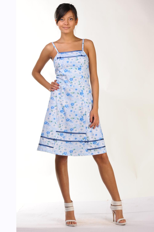 Ночная сорочкаНочные сорочки<br>Женская ночная сорочка из трикотажного полотна 100% хб. Трикотажная ночная сорочка - лучший вариант ночной сорочки. Это гипоаллергенная, легкая, качественная и натуральная одежда для сна.  Сорочка полуприлегающего силуэта, на тонких бретелях, с рельефами по спине и переду. Верх и низ сорочки отделан контрастной атласной окантовкой и атласными бантиками. Длина по боковому шву - 72 см.<br><br>По материалу: Трикотажные<br>По рисунку: Растительные мотивы,С принтом (печатью),Цветные,Цветочные<br>По силуэту: Приталенные<br>По форме: Сорочки<br>По элементам: Без рукавов,С декором<br>По сезону: Всесезон<br>Размер : 54,56,58<br>Материал: Трикотаж<br>Количество в наличии: 2