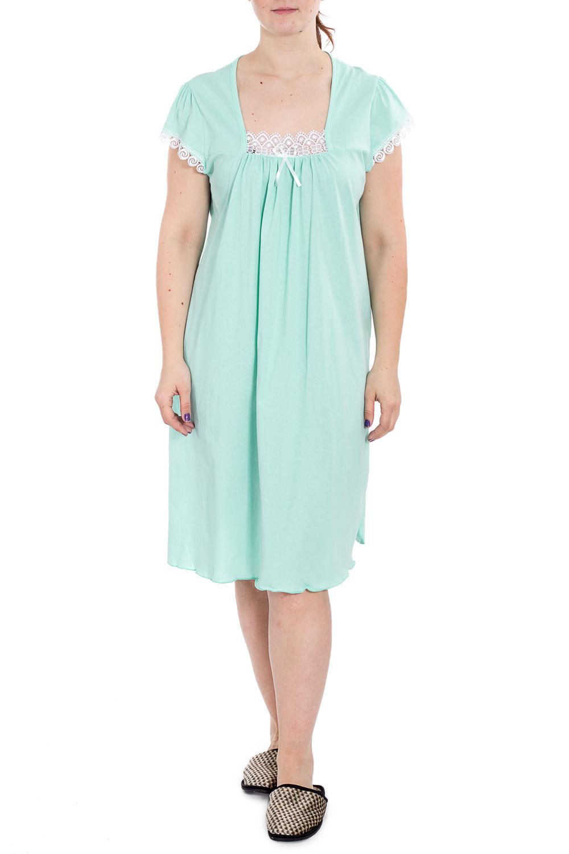 СорочкаНочные сорочки<br>Хлопковая ночная сорочка. Домашняя одежда, прежде всего, должна быть удобной, практичной и красивой. В наших изделиях Вы будете чувствовать себя комфортно, особенно, по вечерам после трудового дня.  В изделии использованы цвета: ментоловый, белый  Рост девушки-фотомодели 180 см.<br><br>Горловина: Квадратная горловина<br>По длине: Ниже колена<br>По материалу: Хлопок<br>По рисунку: Однотонные<br>По силуэту: Прямые<br>По стилю: Повседневный стиль<br>По форме: Сорочки<br>По элементам: С декором<br>По сезону: Всесезон<br>Размер : 54<br>Материал: Хлопок<br>Количество в наличии: 1