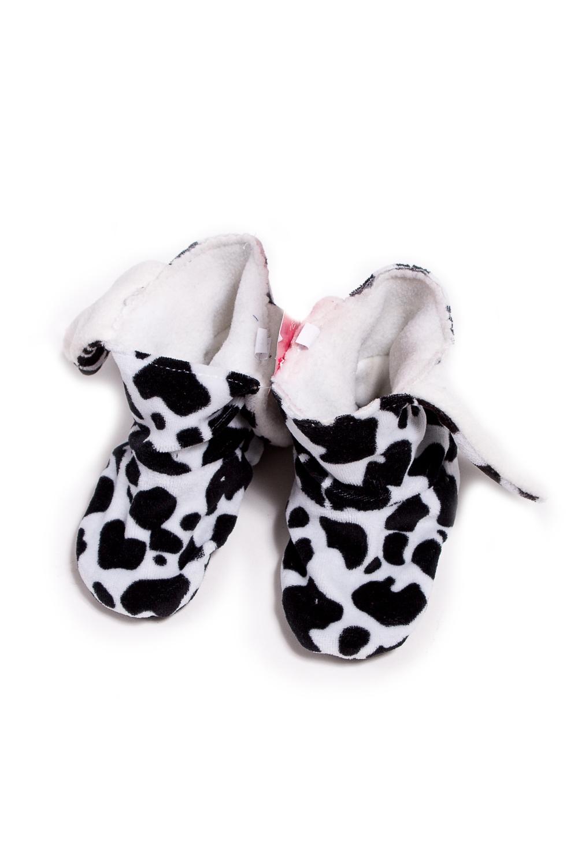 ТапочкиДомашняя обувь<br>Мягкие и удобные тапочки. Выглядеть стильно даже дома - это так легко  Порадуйте вашего малыша уютными тапочками-уггами.  Материал - флис , мягкий, теплый, неаллергенный.  В изделии использованы цвета: белый, черный<br><br>По сезону: Всесезон<br>Размер : 21,33<br>Материал: Флис<br>Количество в наличии: 3