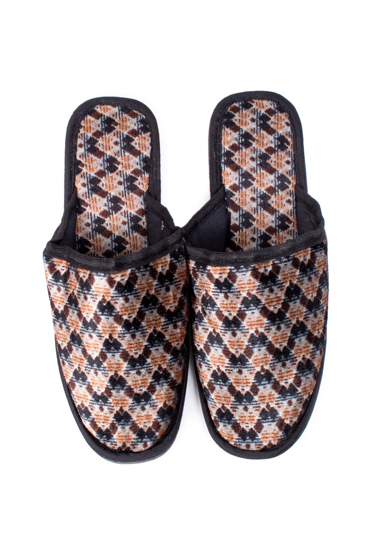 ТапочкиДомашняя обувь<br>Теплые и мягкие домашние тапочки подарят не только комфорт, но и отличное настроение после трудового дня.   В изделии использованы цвета: бежевый, черный<br><br>По сезону: Всесезон<br>Размер : 40-41,43<br>Материал: Текстиль<br>Количество в наличии: 1