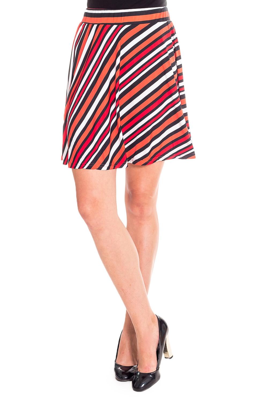 ЮбкаЮбки<br>Удобная летняя юбка из эластичного материала. Отличный выбор для повседневного гардероба.  В изделии использованы цвета: белый, красный, оранжевый, черный  Рост девушки-фотомодели 170 см<br><br>По длине: До колена<br>По материалу: Вискоза,Трикотаж<br>По рисунку: В полоску,С принтом,Цветные<br>По силуэту: Полуприталенные<br>По стилю: Повседневный стиль<br>По форме: Юбка-трапеция<br>По элементам: С завышенной талией<br>По сезону: Лето<br>Размер : 42,44,46,48<br>Материал: Холодное масло<br>Количество в наличии: 8