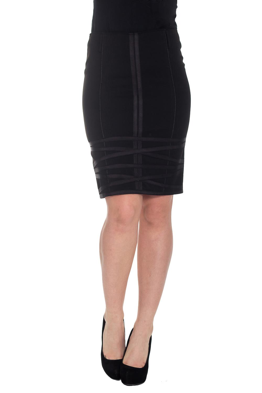 ЮбкаЮбки<br>Элегантная женская юбка. Модель выполнена из костюмной ткани на подкладке. Застежка - молния. Цвет: черный.  Рост девушки-фотомодели 180 см<br><br>По длине: До колена<br>По материалу: Костюмные ткани<br>По образу: Город,Офис,Свидание<br>По рисунку: Однотонные<br>По сезону: Весна,Зима,Лето,Осень,Всесезон<br>По силуэту: Приталенные<br>По стилю: Классический стиль,Кэжуал,Офисный стиль,Повседневный стиль<br>По форме: Юбка-карандаш<br>По элементам: С декором<br>Застежка: С молнией<br>Размер : 40,42,44<br>Материал: Костюмная ткань<br>Количество в наличии: 2