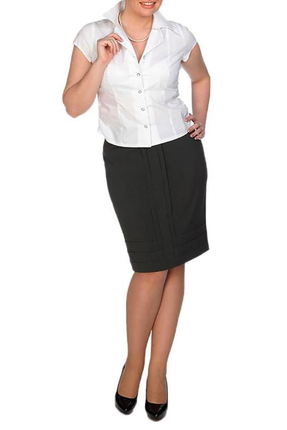 ЮбкаЮбки<br>Оригинальная юбка облегающего силуэта, длиной выше колена, с заниженной линией талии, выполнена из костюмной ткани. Спереди стильные вертикальные и горизонтальные складки создают сложную quot;архитектуруquot; изделия, подчеркивают стройность фигуры и изысканность образа. Сзади застежка на потайную молнию и шлица, дающая свободу движения. Эта модель отлично подойдет для офиса и для повседневных прогулок.   Длина юбки 56 - 61 см  Цвет: черный  Ростовка изделия 170 см.<br><br>По длине: Ниже колена<br>По материалу: Костюмные ткани,Тканевые<br>По рисунку: Однотонные<br>По силуэту: Приталенные<br>По стилю: Офисный стиль,Повседневный стиль<br>По элементам: С разрезом<br>Разрез: Шлица<br>По сезону: Осень,Весна<br>Размер : 46,48<br>Материал: Костюмная ткань<br>Количество в наличии: 5