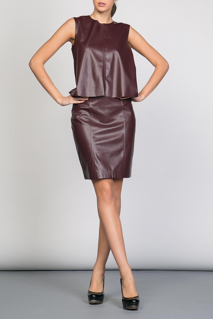 ЮбкаЮбки<br>Ультрамодная юбка прямого силуэта с завышенной талией. Модель выполнена из искусственной кожи. Отличный выбор для повседневного гардероба.  Цвет: бордовый  Ростовка изделия 170 см.<br><br>По длине: До колена<br>По рисунку: Однотонные<br>По силуэту: Приталенные<br>По стилю: Молодежный стиль,Ультрамодный стиль,Повседневный стиль<br>По форме: Юбка-карандаш<br>По элементам: С разрезом<br>Разрез: Короткий<br>По сезону: Осень,Весна<br>По материалу: Искусственная кожа<br>Размер : 42,44,46<br>Материал: Искусственная кожа<br>Количество в наличии: 3