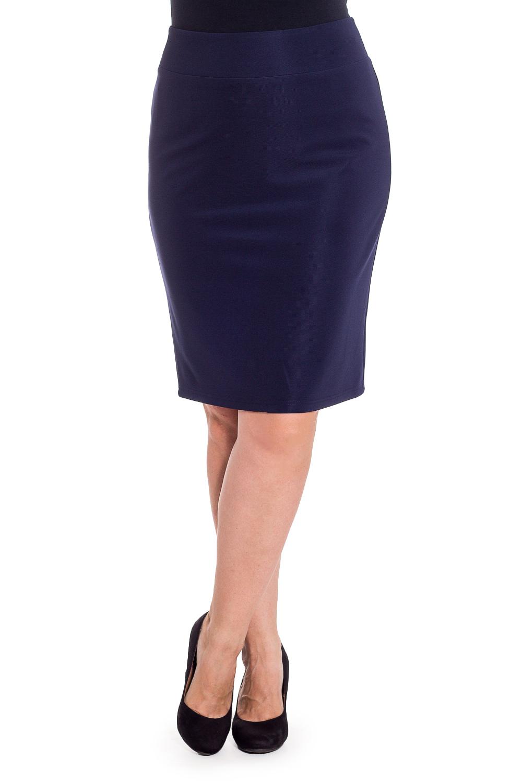 ЮбкаЮбки<br>Классическая женская юбка до колена. Модель выполнена из эластичного трикотажа. Отличный выбор для повседневного и делового гардероба.  Цвет: синий  Рост девушки-фотомодели 180 см<br><br>По длине: До колена<br>По материалу: Трикотаж<br>По образу: Город,Офис,Свидание<br>По рисунку: Однотонные<br>По силуэту: Приталенные<br>По стилю: Классический стиль,Офисный стиль,Повседневный стиль<br>По форме: Юбка-карандаш<br>По элементам: С разрезом<br>Разрез: Короткий<br>По сезону: Осень,Весна<br>Размер : 44,46,48,50,52,54,56,58<br>Материал: Трикотаж<br>Количество в наличии: 8