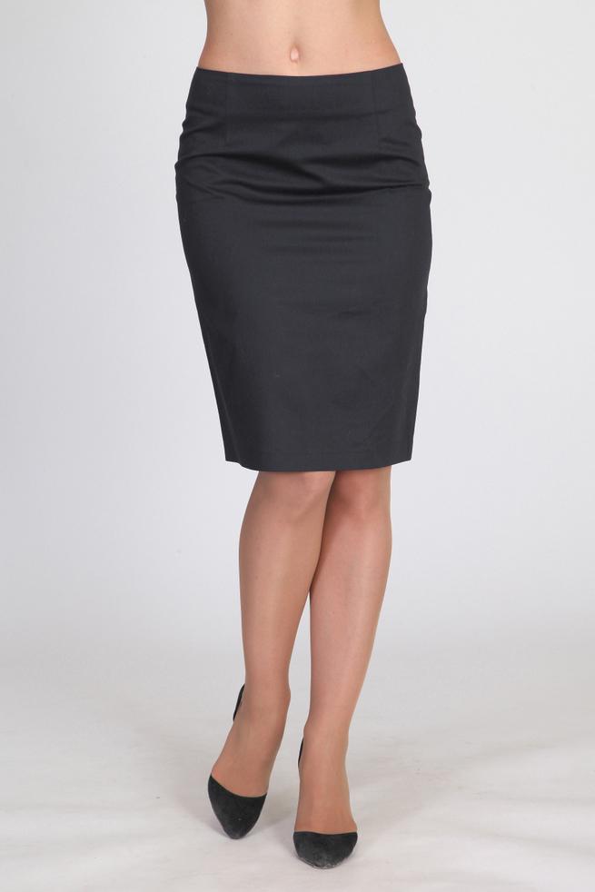 ЮбкаЮбки<br>Однотонная юбка длиной до колена. Модель выполнена из плотного трикотажа на подкладе. Отличный выбор для повседневного и делового гардероба.  Цвет: темно-серый.  Рост девушки-фотомодели 180 см.<br><br>По длине: До колена<br>По материалу: Вискоза,Трикотаж<br>По рисунку: Однотонные<br>По силуэту: Полуприталенные<br>По стилю: Офисный стиль,Повседневный стиль<br>По форме: Юбка-карандаш<br>По элементам: С разрезом<br>Разрез: Короткий,Шлица<br>По сезону: Осень,Весна<br>Размер : 46<br>Материал: Трикотаж<br>Количество в наличии: 1