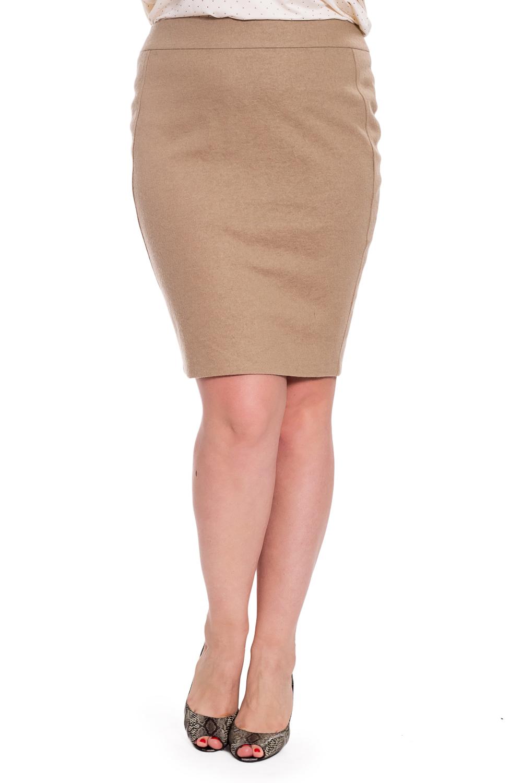 ЮбкаЮбки<br>Классическая женская юбка. Модель выполнена из приятного материала. Отличный выбор для повседневного и делового гардероба.   В изделии использованы цвета: бежевый  Рост девушки-фотомодели 180 см<br><br>По длине: До колена<br>По материалу: Костюмные ткани,Тканевые<br>По рисунку: Однотонные<br>По сезону: Весна,Зима,Лето,Осень,Всесезон<br>По силуэту: Приталенные<br>По стилю: Классический стиль,Кэжуал,Офисный стиль,Повседневный стиль,Летний стиль<br>По форме: Юбка-карандаш<br>По элементам: С разрезом<br>Разрез: Короткий,Шлица<br>Размер : 48,50,52,56<br>Материал: Костюмная ткань<br>Количество в наличии: 4