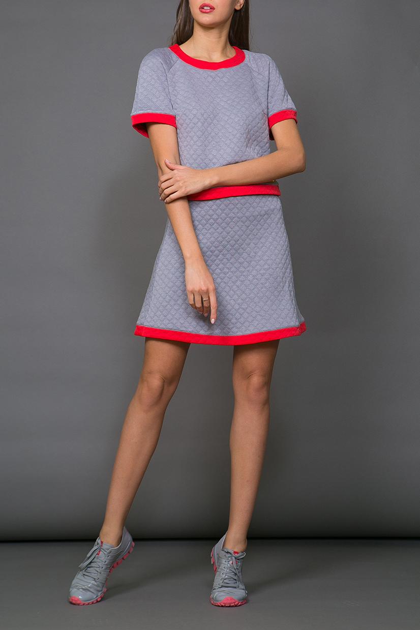 ЮбкаЮбки<br>Ультрамодная юбка трапециевидного силуэта с завышенной талией. Модель выполнена из фактурного трикотажа. Отличный выбор для повседневного гардероба.  В изделии использованы цвета: серый, красный  Ростовка изделия 170 см.<br><br>По длине: До колена<br>По материалу: Вискоза,Трикотаж<br>По рисунку: Цветные<br>По силуэту: Полуприталенные<br>По стилю: Молодежный стиль,Повседневный стиль,Ультрамодный стиль<br>По форме: Юбка-трапеция<br>По элементам: С заниженной талией<br>По сезону: Осень,Весна<br>Размер : 42,44,46,48<br>Материал: Трикотаж<br>Количество в наличии: 4