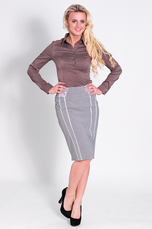 ЮбкаЮбки<br>Красивая женская юбка из плотной костюмной ткани. Отличный выбор для повседневного и делового гардероба.  Цвет: серый  Рост девушки-фотомодели 170 см<br><br>По образу: Свидание,Город,Офис<br>По стилю: Классический стиль,Офисный стиль,Повседневный стиль<br>По материалу: Вискоза,Тканевые<br>По рисунку: Однотонные<br>По сезону: Весна,Осень<br>По силуэту: Полуприталенные<br>По элементам: С декором,С разрезом<br>По форме: Юбка-карандаш<br>По длине: Ниже колена<br>Разрез: Короткий<br>Размер: 44,46,48,50,52,54<br>Материал: 50% вискоза 50% полиэстер<br>Количество в наличии: 1