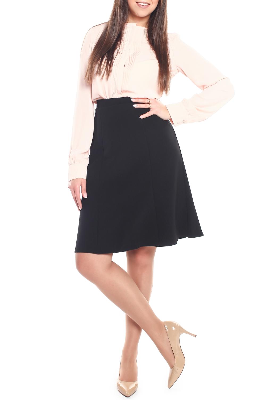 ЮбкаЮбки<br>Женская юбка расклешенная от бедра к низу, на подкладке, с притачным поясом по бокам на резинках. Застежка расположена сзади по среднему шву на потайную тесьму молнию и закрепляется на пуговицу. Прекрасное годе, сочетающее в себе фигурные рельефы, подчеркнет и украсит фигуру любой женщины.  Длина изделия 60 см.  В изделии использованы цвета: черный  Параметры размеров: 40 размер - обхват груди 84 см., обхват талии 62 см., обхват бедер 88 см. 42 размер - обхват груди 88 см., обхват талии 66 см., обхват бедер 92 см. 44 размер - обхват груди 92 см., обхват талии 70 см., обхват бедер 96 см. 46 размер - обхват груди 96 см., обхват талии 74 см., обхват бедер 100 см. 48 размер - обхват груди 100 см., обхват талии 78 см., обхват бедер 104 см. 50 размер - обхват груди 104 см., обхват талии 82 см., обхват бедер 108 см. 52 размер - обхват груди 108 см., обхват талии 86 см., обхват бедер 112 см. 54 размер - обхват груди 112 см., обхват талии 90 см., обхват бедер 116 см. 56 размер - обхват груди 116 см., обхват талии 94 см., обхват бедер 120 см. 58 размер - обхват груди 120 см., обхват талии 100 см., обхват бедер 126 см. 60 размер - обхват груди 124 см., обхват талии 105 см., обхват бедер 131 см. 62 размер - обхват груди 128 см., обхват талии 110 см., обхват бедер 136 см. 64 размер - обхват груди 132 см., обхват талии 115 см., обхват бедер 141 см. 66 размер - обхват груди 136 см., обхват талии 120 см., обхват бедер 146 см.<br><br>По длине: До колена<br>По материалу: Костюмные ткани<br>По рисунку: Однотонные<br>По сезону: Весна,Зима,Лето,Осень,Всесезон<br>По силуэту: Полуприталенные<br>По стилю: Классический стиль,Офисный стиль,Повседневный стиль<br>По форме: Юбка-трапеция<br>По элементам: С завышенной талией<br>Размер : 48,52<br>Материал: Костюмная ткань<br>Количество в наличии: 2