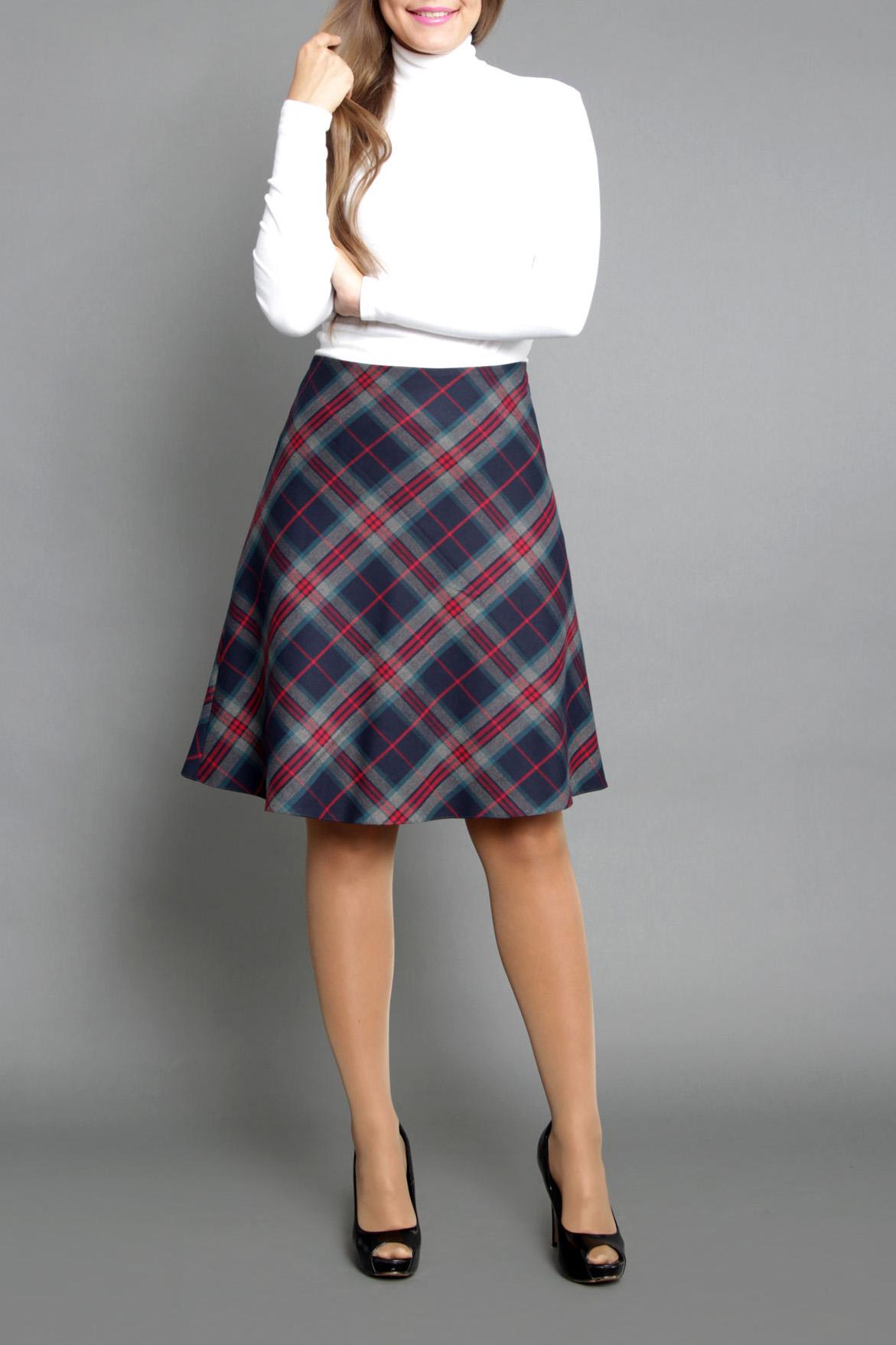 ЮбкаЮбки<br>Женская юбка, расклешенная от пояса к низу, на подкладке с обтачным поясом. Застежка расположена по боковому шву на потайную тесьму молнию. Расположение разноцветных клеток по кассой диагонали, простота, а также идеальная посадка, делает данную модель незаменимой в Вашем гардеробе  Цвет: синий, красный, белый  Длина юбки 60 см.  Ростовка изделия 170 см.<br><br>По длине: До колена<br>По материалу: Тканевые,Шерсть<br>По образу: Город,Офис,Свидание<br>По рисунку: Геометрия,С принтом,Цветные,В клетку<br>По силуэту: Полуприталенные<br>По стилю: Офисный стиль,Повседневный стиль<br>По форме: Юбка-солнце<br>По элементам: С завышенной талией<br>По сезону: Осень,Весна<br>Размер : 44,46,48<br>Материал: Костюмная ткань<br>Количество в наличии: 3