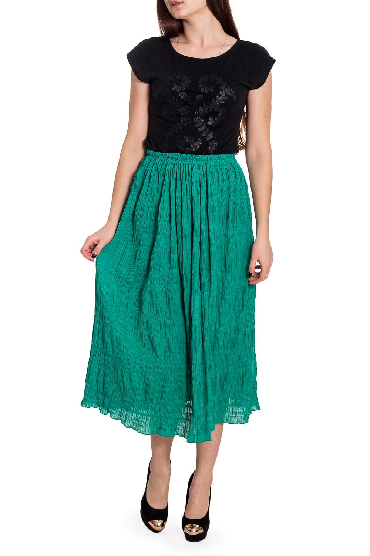 ЮбкаЮбки<br>Однотонная юбка длиной миди. Модель выполнена из quot;жатогоquot; материала. Отличный выбор для любого случая.  Цвет: зеленый  Рост девушки-фотомодели 173 см<br><br>По длине: Миди,Ниже колена<br>По материалу: Тканевые<br>По рисунку: Однотонные<br>По силуэту: Полуприталенные<br>По стилю: Повседневный стиль,Летний стиль<br>По сезону: Лето<br>Размер : 44-46,72<br>Материал: Плательная ткань<br>Количество в наличии: 3