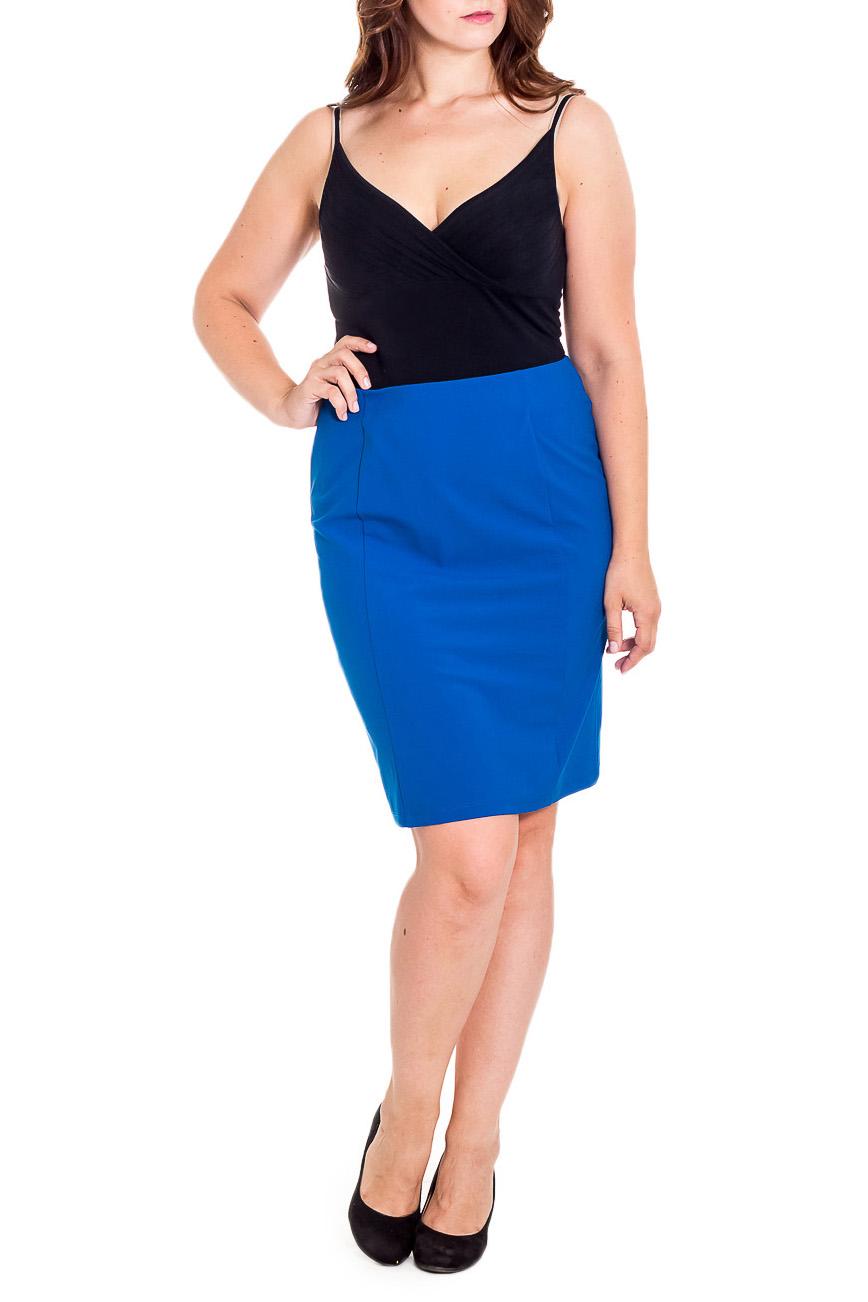 ЮбкаЮбки<br>Классическая юбка карандаш. Модель выполнена из плотного трикотажа. Отличный выбор для повседневного и делового гардероба.  Цвет: синий  Рост девушки-фотомодели 180 см.<br><br>По длине: До колена<br>По материалу: Трикотаж<br>По рисунку: Однотонные<br>По силуэту: Приталенные<br>По стилю: Классический стиль,Офисный стиль,Повседневный стиль<br>По форме: Юбка-карандаш<br>По элементам: С разрезом<br>Разрез: Короткий<br>По сезону: Осень,Весна<br>Размер : 46,48,50<br>Материал: Трикотаж<br>Количество в наличии: 6