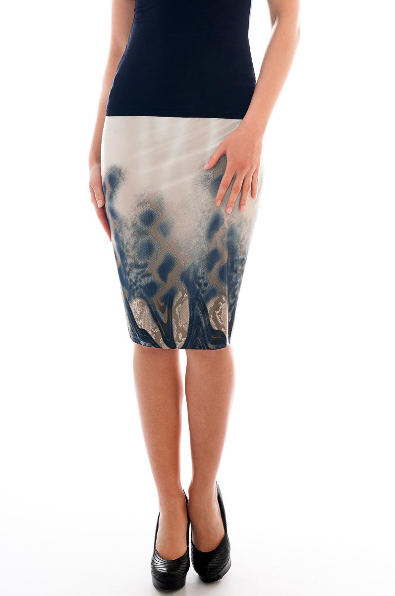 ЮбкаЮбки<br>Красивая юбка обтягивающего силуэта. Модель выполнена из приятного трикотажа. Отличный выбор для повседневного гардероба.  Параметры изделия:  42 размер(на 40): ширина талии 26см, ширина бедер 43см, длина изделия 54см;  54 размер(на 52): ширина талии 38см, ширина бедер 55,5см, длина изделия 61см.  В изделии использованы цвета: бежевый, синий  Рост девушки-фотомодели 175 см.<br><br>По длине: Ниже колена<br>По материалу: Трикотаж<br>По рисунку: Рептилия,С принтом,Цветные<br>По силуэту: Приталенные<br>По стилю: Повседневный стиль<br>По форме: Юбка-карандаш<br>По сезону: Осень,Весна<br>Размер : 40<br>Материал: Холодное масло<br>Количество в наличии: 2