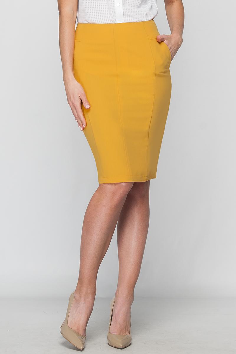 ЮбкаЮбки<br>Классическая юбка-карандаш, выполненная из костюмной ткани. Юбка зауженная к низу, с карманами. Сзади выполнена застежка на потайную молнию. Юбка отлично впишется в деловой и повседневный гардероб современной элегантной женщины.   Цвет: горчичный  Параметры изделия:  44 размер: обхват талии - 72 см, обхват бедер - 94 см, длина изделия - 58 см;  52 размер: обхват талии - 88 см, обхват бедер - 110 см, длина изделия - 62 см.   Рост девушки-фотомодели 175 см.<br><br>Разрез: Короткий,Шлица<br>Длина: До колена<br>Материал: Костюмные ткани,Тканевые<br>Рисунок: Однотонные<br>Сезон: Весна,Всесезон,Зима,Лето,Осень<br>Силуэт: Приталенные<br>Стиль: Кэжуал,Летний стиль,Офисный стиль,Повседневный стиль<br>Форма: Юбка-карандаш<br>Элементы: С карманами,С разрезом<br>Размер : 42,48<br>Материал: Костюмно-плательная ткань<br>Количество в наличии: 2