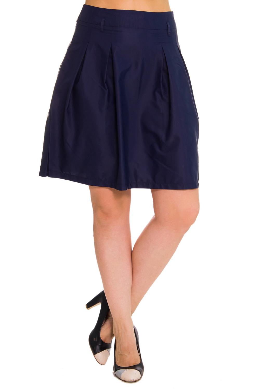 ЮбкаЮбки<br>Женская юбка из плотного материала. Отличный выбор для повседневного и делового гардероба.  Цвет: синий  Рост девушки-фотомодели 180 см<br><br>По материалу: Тканевые<br>По рисунку: Однотонные<br>По сезону: Весна,Осень<br>По силуэту: Полуприталенные<br>По стилю: Офисный стиль,Повседневный стиль,Классический стиль<br>По длине: До колена<br>По форме: Юбка-трапеция<br>Размер : 48<br>Материал: Костюмно-плательная ткань<br>Количество в наличии: 1